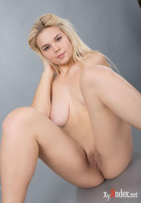 "Kylie G ""Blonde"" (90 фото)"